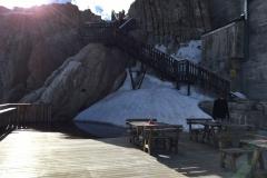 Ancora neve in stazione ripetitore cima Tofana 3244m